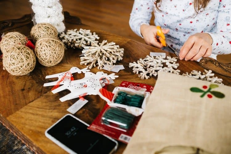 Homemade and crafty Christmas decorations