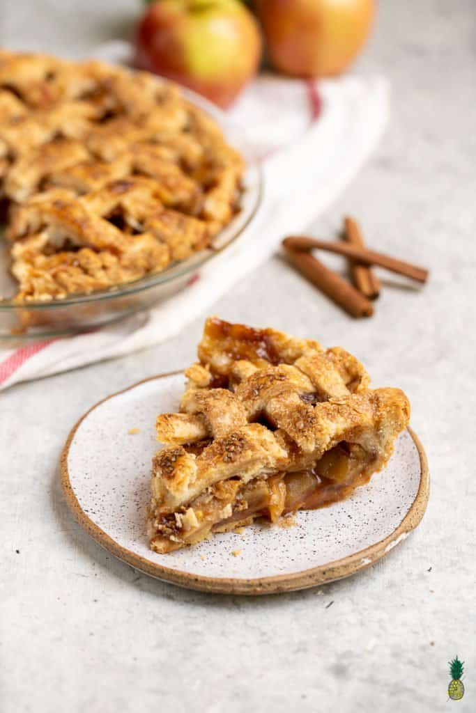 Vegan Apple Pie with Coconut Oil Crust